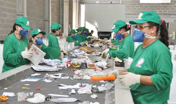 Cooperativas de reciclagem e a gestão de resíduos sólidos
