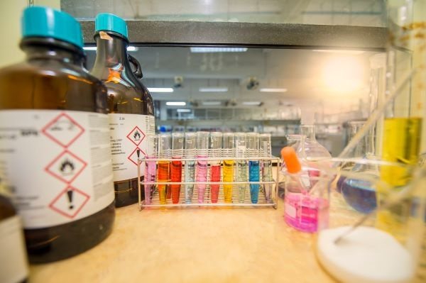 o-que-é-uma-indústria-química