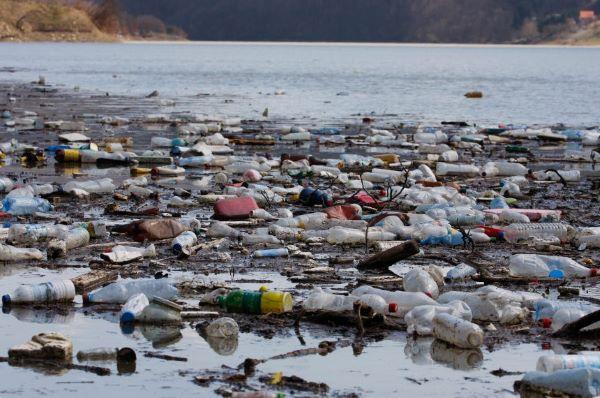 Estudo-do-Senado-aponta-necessidade-de-leis-para-deter-poluição-por-plásticos
